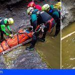 Complicado rescate de un ciudadano en el Barranco Los Carrizales de Buenavista del Norte