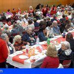 Cruz Roja celebra su tradicional almuerzo anual con las personas mayores en Tenerife