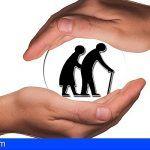 El Servicio Canario de la Salud atiende a 154.447 mayores de 65 años en su domicilio