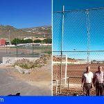 El alcalde de San Miguel consigue desbloquear la instalación de césped artificial en los campos de fútbol de El Roque y Aldea Blanca