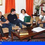 Santiago del Teide entrega una subvención de 4.000 € a la Cofradía de Pescadores Nuestra Señora de la Luz