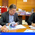 El Cabildo de La Gomera formaliza el contrato del servicio insular de recogida selectiva