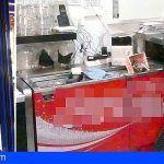 Fractura el cristal de un establecimiento en Lanzarote y sustrajo la caja registradora con 400 € en su interior