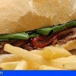 Los canarios, los que más desayunan bocadillo o sándwich en España