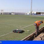 Los campos de fútbol de Guía de Isora y Alcalá contarán con un nuevo sistema de riego y césped
