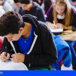 El Cabildo otorga 820 becas a los estudiantes gomeros