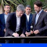 """Fernando Clavijo firma su """"contrato con Canarias"""" para los próximos 4 años"""