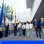 Gran Canaria iza la bandera de la Unión Europea frente al sentimiento antieuropeísta que impregna su territorio