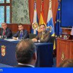 Pedro Zerolo recibe el título de Hijo Ilustre de la isla de Tenerife