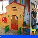 La sala de espera de pediatría de La Candelaria renueva su espacio de juego