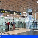 Detienen en el aeropuerto Reina Sofía a tres albaneses por delito de falsedad documental