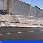 CC solicita la reparación urgente del vallado de la acera de acceso al CEIP Tamaimo