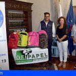 La Fundación Pedro Rodríguez entrega a Stgo. del Teide mochilas con material escolar