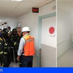 Un conato de incendio en una planta del HUC, deja 27 evacuados en un simulacro