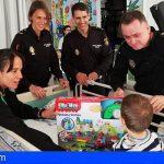 La Policía Nacional visitó a los pequeños de La Candelaria y el Universitario de Canarias