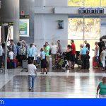 Canarias reduce a diez las conexiones aéreas entre las islas