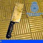 Detienen a un hombre en Santa Cruz por amenazar a otro con una cuchilla de carnicero