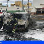 Se incendia un vehículo cerca de la rotonda de La Camella