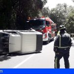 Tenerife | Liberan en Las Mercedes a un hombre atrapado en su vehículo accidentado