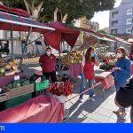 La plaza de El Médano acogió hoy la reapertura del 'Mercado en la Calle'