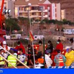 Llegan a Los Cristianos 55 inmigrantes derivados de Gran Canaria, que está al límite