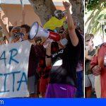Manifestación por La Tejita frente al Ayuntamiento, antes del pleno que no incluyó ningún punto al respecto