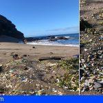 La playa de La Tejita «Zona Protegida», entre microplásticos, colillas y desperdicios