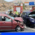 Los Bomberos intervinieron en un accidente de tráfico en Los Cristianos, entre varias actuaciones este fin de semana
