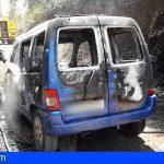 Tenerife | Dos heridos por quemaduras leves en un vehículo incendiado en Las Raíces