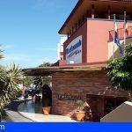 Adeje | CEST y AXA acuerdan incrementar la cobertura de los turistas durante su estancia en los hoteles