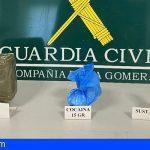 Se envió a sí mismo un paquete de Tenerife a La Gomera con 517g de hachís, 15g de cocaína y 11g de corte