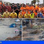 Los trabajos de limpieza de la Caleta de Adeje se prolongarán durante una semana más