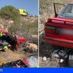 Rescatan en Granadilla a una mujer atrapada en su vehículo tras caer por un barranco