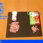 Dos detenidos en el aeropuerto Tenerife Sur con 77 pastillas de drogas de diseño