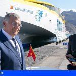 Fred. Olsen Express trae a Canarias el trimarán más moderno y rápido del mundo
