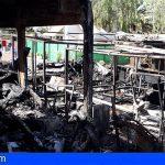Arona | Un incendio obliga a evacuar el Camping Nauta y deja varias caravanas calcinadas