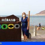 El litoral granadillero estrena una nueva papelera para fomentar la separación de residuos
