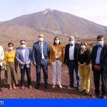 Reyes Maroto anuncia a los municipios turísticos canarios un plan específico para las islas