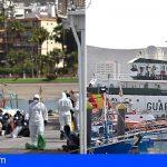 Trasladan al puerto de Los Cristianos 41 personas interceptadas en Gran Canaria