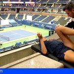 Adeje   El fisioterapeuta de Bahía del Duque prepara a Karolina Pliskova durante el US Open