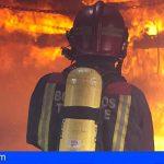 Adeje | Extinguen un incendio en un supermercado cerrado en la Avenida Bruselas