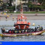 Esta mañana llegaron 112 inmigrantes al puerto de Los Cristianos