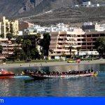 Trasladan a Los Cristianos una patera con con 167 personas a bordo, 56 menores incluidos