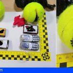 Sorprendido arrojando al interior de Tenerife II, dos paquetes con droga y varios teléfonos móviles