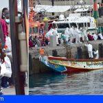Trasladan al Puerto de Los Cristianos a 72 personas interceptadas hoy, entre ellas un fallecido