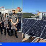 Jóvenes de un PFAE visitan la planta fotovoltaica de autoconsumo de la BP Adeje (La Atalaya)