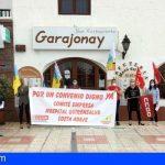 Trabadores de Quirónsalud Costa Adeje se concentran para exigir la negociación del convenio colectivo