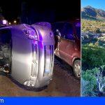 Rescatan a una persona en Arico tras volcar con su vehículo y a otra en Valle Tabares tras precipitarse a un barranco