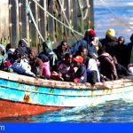Esta mañana llegaron 48 personas a bordo de una patera en Los Cristianos