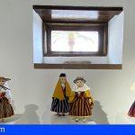 Arona | La Casa de la Bodega acoge la muestra 'Trajeando Muñec@s' y la obra de Alfred Diston